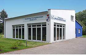 Bau und Eröffnung des Vereinsheims